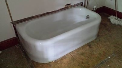 3 Sided Apron Bathtub: